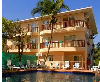 I Bocas del Toro, Panama finns det många mellanklass hotell där spanska studenter kan bo